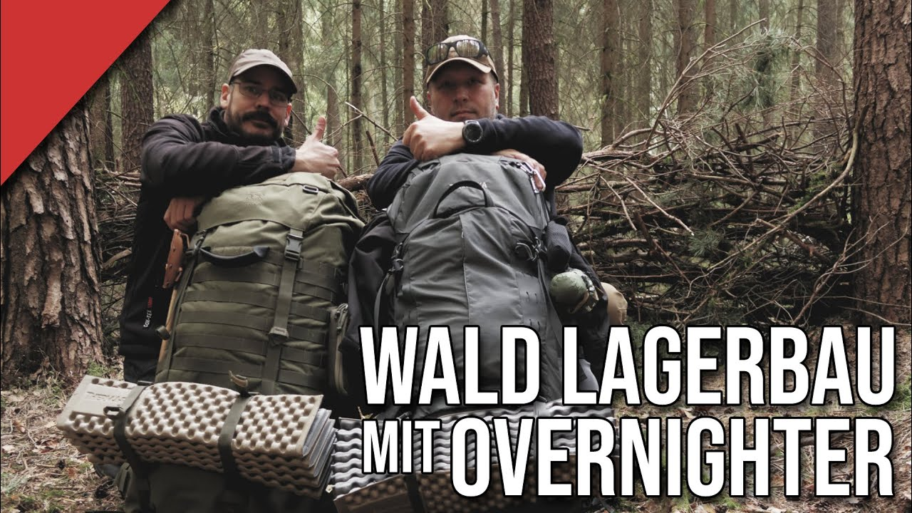 Wald -Lagerbau mit Overnighter