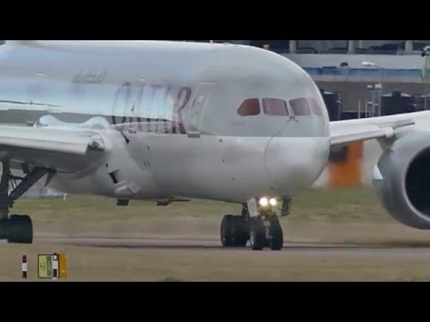 Qatar QR32 departing EDI - 06 Landing Lights