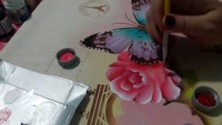 Pintura com stencil ( Rosas com borboleta) parte 2