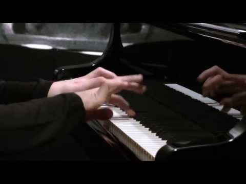 W. A. Mozart - Piano Sonata no.10 in C Major, KV330 (complete)