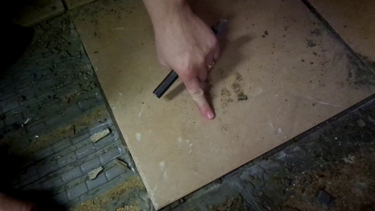 how to remove tile without breaking it