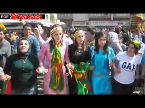 İzmir'de Nevruz Alanı Doldu