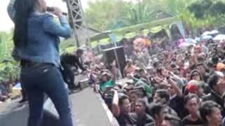 Download lagu Bento Voc.Niken Aprillia MONATA Live Pilang Laren Lamongan 2015 By@udienUDF