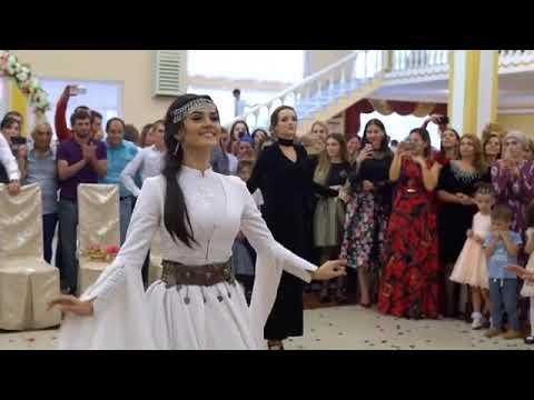 Kırsal düğün. Dağıstan. Gulli