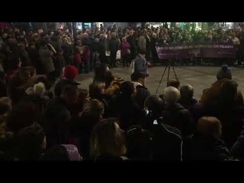 Cientos de mujeres protestan en Toledo contra el pacto andaluz