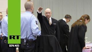 Trato 'inhumano': El asesino en serie Breivik gana la demanda contra el Estado noruego