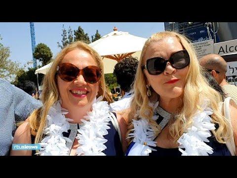 Nederlandse fans songfestival hebben 'klotsende oksels' van de zenuwen - RTL NIEUWS