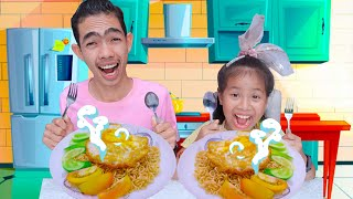 Kevin Wants To Eat Noodle Story | Nora Family Show