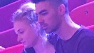 Joe Jonas & Sophie Turner Show PDA! New Hollywood Couple?
