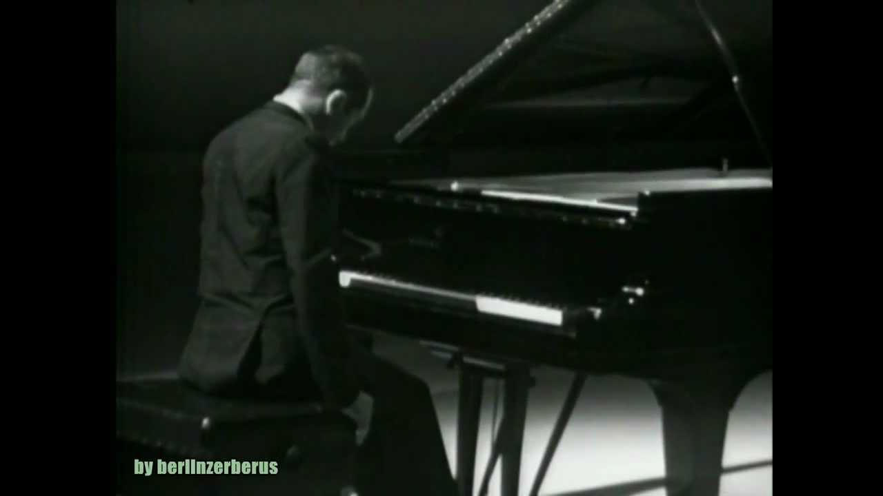 alexander-scriabin-nocturne-for-the-left-hand-opus-9-no-2-alexis-weissenberg-berlinzerberus