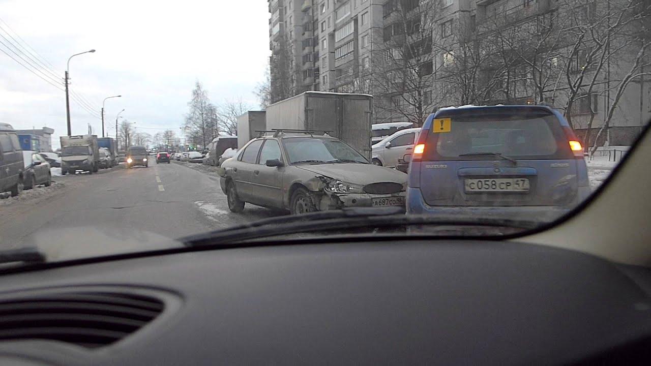 Шевроле Круз расплющил Шевроле Лачетти в ДТП на Малом проспекте В.О.