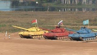 Biatlón con tanques multicolores, una insólita prueba de puntería para militares rusos