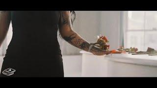 Смотреть клип Lady Xo Ft. Jr007 - Dead Roses