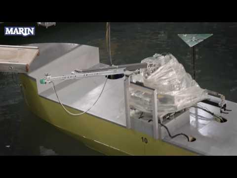 MARIN Seaqualizer spring balanced offshore access bridge