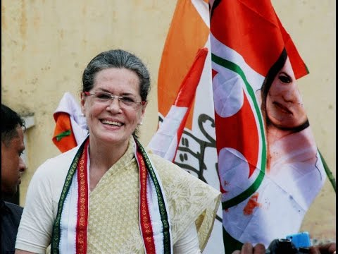 UP Election 2017: Sonia Gandhi Does Roadshow In Varanasi