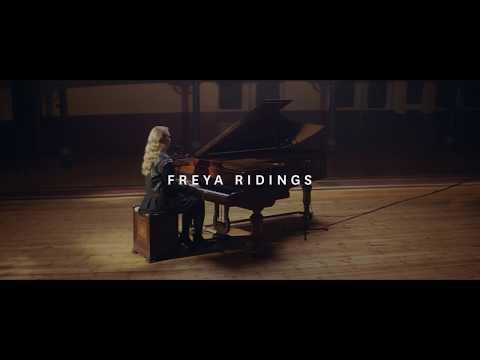 Freya Ridings - Maps (Live at Hackney Round Chapel)