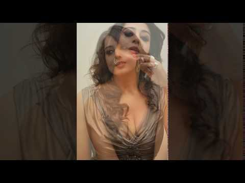 mahi gill hot cleavage show thumbnail
