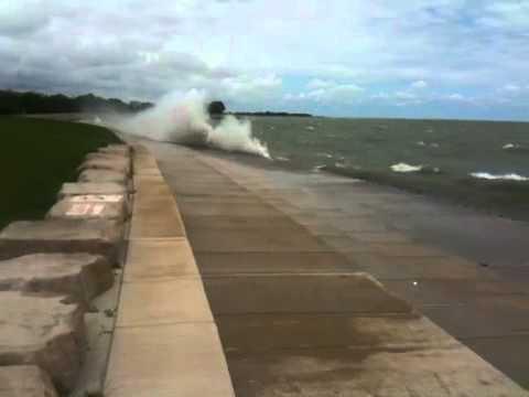 Crazy Wave Action