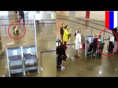 gadis menyelinap melalui bandara moskow, terbang ke st. petersburg - Tomonews