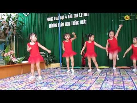 MUA EM YEU GIO HOC HAT 20/11(Lop choi 1-năm hoc 2013-2014)Truong MN Thong Nhat- BMT MVI 0688
