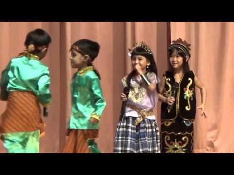 Sunflower Preschool Bintaro Annual Show 2015  session 2 scene 1