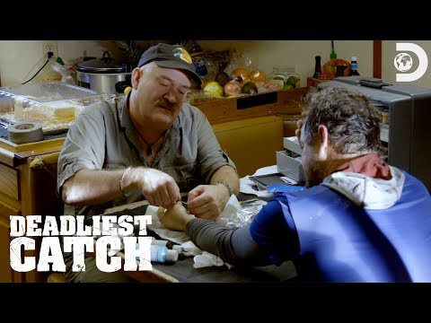 Captain Keith Plays Medic On The Wizard | Deadliest Catch