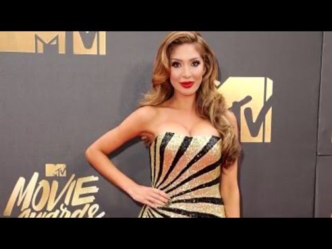 2016 MTV Movie Awards: Blackout Dress on the Red Carpet