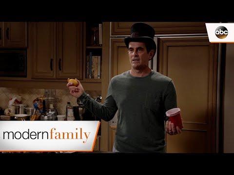 Phil Is Snoozedini – Modern Family