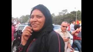 المنصه .منقبه تحمل صوره شفيق - هتافات ضد المرشد