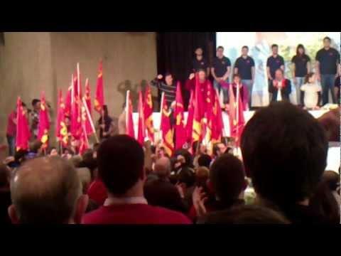desfile de la CJC en el mitin internacional comunista
