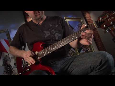 How to Use a Whammy Bar - Tremolo Bar - Whammy Bar Lesson - Guitar Tricks 39