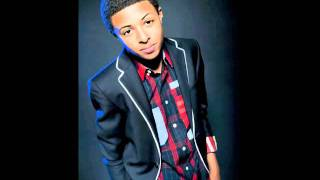 Diggy Simmons on the phone with the young ladies