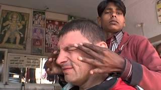 Традиционное бритье в Непале