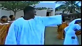 Download lagu WAKAR GANGAR GAN ALI NUHU DA ABIDA TUNA BAYA