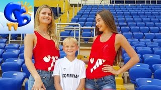 ⚽ Мисс Евро 2016. Старший Брат проводит разминку перед матчем. Miss Euro 2016 Starshiy Brat