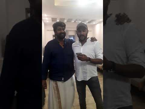 Poomuthole Vijay Yesudas live at Alexander Prasanth House warming
