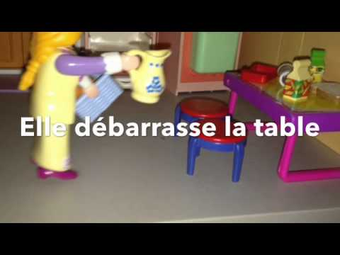 Playmobil journ e a la piscine youtube for Piscine playmobil