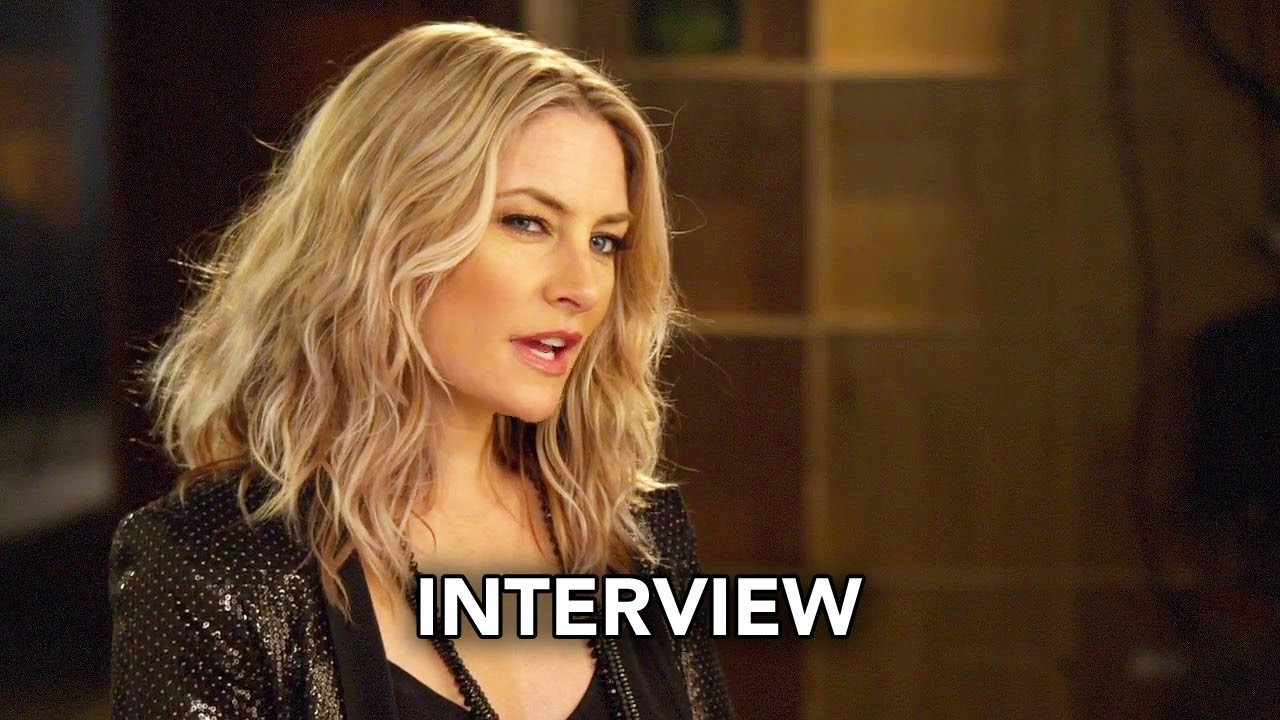 Riverdale the cw m dchen amick interview hd youtube for Kinderzimmerlampe madchen