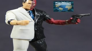 "DC Comics 4"" Multiverse Batman: Arkham Knight Two-Face Figure Review"