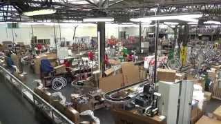Superior - továrna na jízdní kola - PŘEDSTAVUJE ŠTĚRBA KOLA
