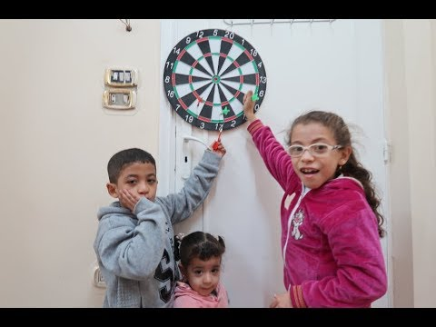 #ملكه ضربت السهم فى راس عبدالله!! DARTRE GAME