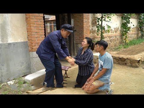 農村大爺救了路邊餓暈的母子,20年後母子倆來報恩,結局暖心! 【大勇喜劇兒】
