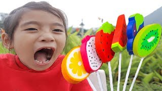 Annie Baby with Tantrum and Crying for Lollipops Little Babies Learn Colors with Finger Family Song
