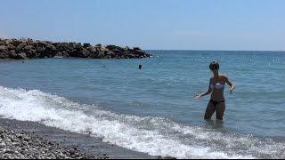 Песчаные пляжи поселка Аше, в 3-х км. от Лазаревского, SOCHI RUSSIA(Малолюдны пляжи в районе поселка Аше - детский лагерь