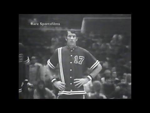 John Havlicek (17pts) vs. ABA All-Stars (1972)