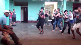 Marita Flores Teaching Peruvian Festejo Dance in Cañete, Perú - Lesson 1