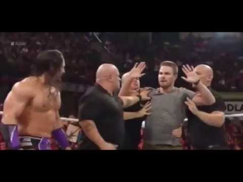oliver-queen-vs-stardust---wwe-raw-8/10/15