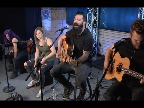 SKILLET'S 'Legendary' Performance Is Turning Everyone Into A Panhead!
