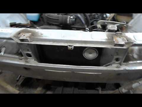 Cмотреть видео онлайн Ремонт аварийного автомобиля ВАЗ 2107 в гараже на стапеле