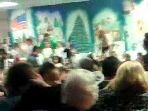 Kiddos singing in Potawatomi